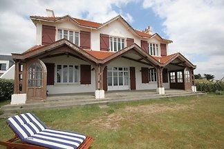 Beeindruckende Villa mit Meerblick in...