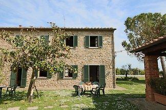 Vintage-Bauernhof in Cortona mit Swimmingpool