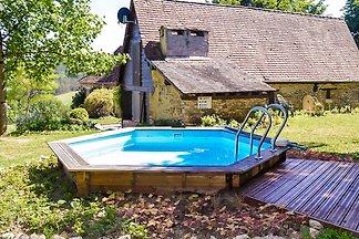 Knusse cottage met zwembad, grote tuin, speel...