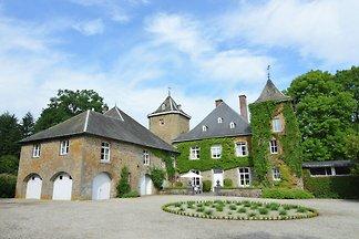 Bezauberndes Schloss in Bastogne mit...