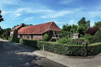 Geräumiges Bauernhaus in Uden am See