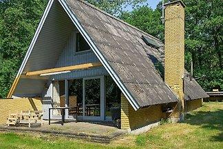Geräumiges Ferienhaus in Aakirkeby in...