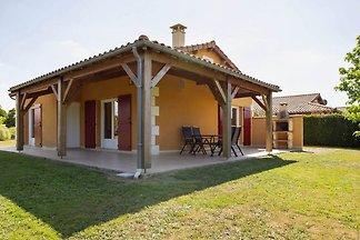 Ferienhaus mit Gartenblick in Les Forges mit...