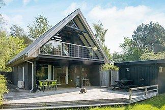 Ruhiges Ferienhaus mit Whirlpool in Knebel...