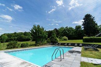 Vintage Ferienhaus mit Swimmingpool in...
