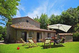 Rustikale Villa in Sermugnano am See