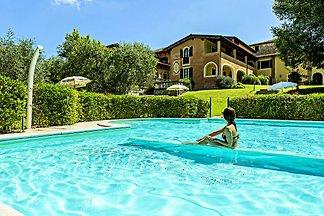 Accogliente casa vacanze con piscina a Manerb...