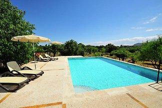 Vintage-Ferienhaus mit eigenem Pool in Buger