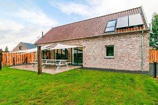 Charmantes Haus mit Garten und großer Terrass...
