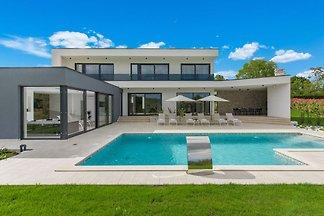 Neue und moderne Villa mit privatem Pool und ...