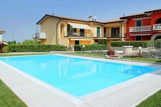 Ruhiges ländliches Apartment mit Swimmingpool