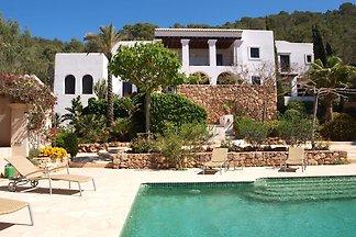 Geräumige Villa mit Swimmingpool auf Ibiza