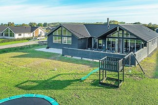 Luxuriöses Ferienhaus in Fünen mit Schwimmbad