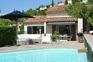 Verlockende Villa in Roquebrune-sur-Argens mi...