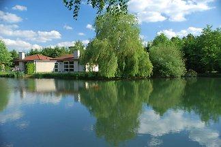 Gemütliches Ferienhaus am Wasser an einem...
