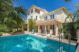 Wunderschöne Villa in Premantura mit privatem...