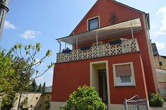 Comfortabel appartement met tuin en uitzicht ...