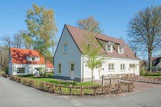 Komfortable Villa mit Waschmaschine in Bad...