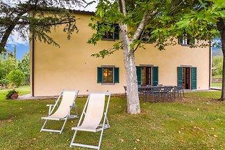 Villa with private pool, 3 km from Cortona, 3...
