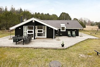 Komfortables Ferienhaus in Ålbæk mit Terrasse
