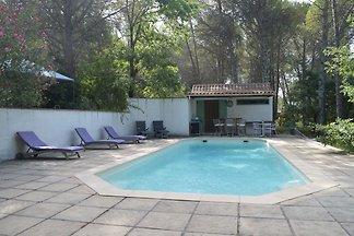 Erholsames Ferienhaus mit eigenem Swimmingpoo...