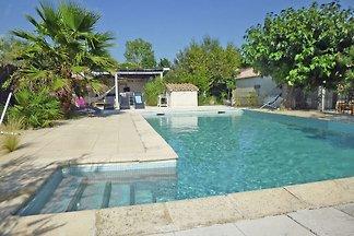 Schönes Cottage mit Pool in...