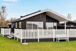Elegant Holiday Home in Juelsminde with...