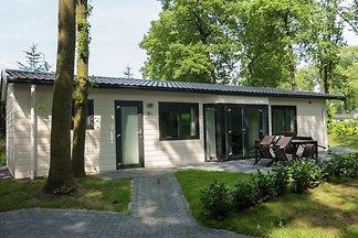 Piękny wolnostojący dom na skraju przytulnej...