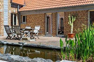 Anmutiges Ferienhaus in Geetbets mit Patio