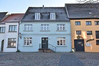Moderne Ferienwohnung mit Garten in Wismar