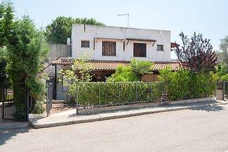 Traditionelles Ferienhaus in Roseto Capo Spul...
