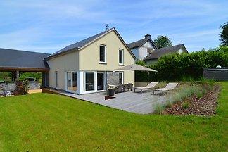 Modernes Ferienhaus für Familien in Houffaliz...