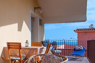 Nice holiday apartment at 200 meters from the...