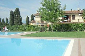 Deliziosa casa vacanze con piscina a Lazise