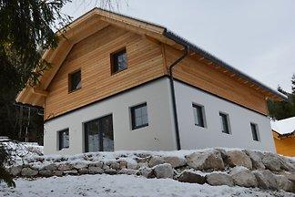 Piękny nowy dom górski obok stoku z własną sa...