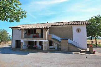 Farmhouse with pool in an area with history, ...