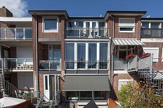 Gemütliches Apartment in Katwijk mit Balkon