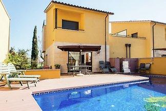 Gemütliches Ferienhaus Mit Pool in St Pere...