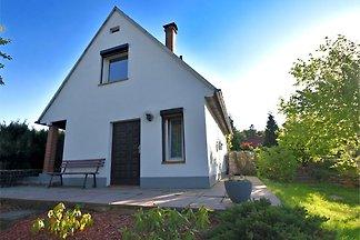 Modernes Ferienhaus in Güntersberge mit...