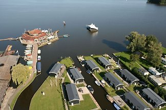 Charming studio with WiFi, in Giethoorn
