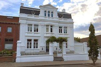 Luxuriöse Villa im Heuvelland mit Garten