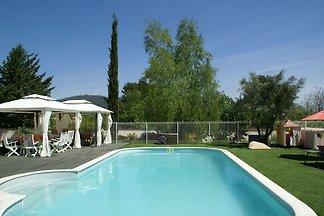 Geräumige Villa in Garéoult mit eigenem Pool