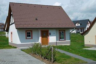 Ruime villa in traditionele stijl niet ver va...