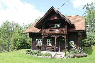 Historisches Ferienhaus auf der Wiese in...