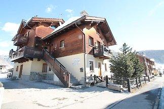 Apartment in Baita just 200 meters away from ...
