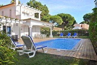 Komfortables Ferienhaus mit privatem Pool in...