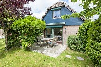 Schönes Ferienhaus in Wolphaartsdijk in der N...