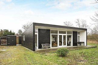 Stilvolles Ferienhaus in Hals mit Terrasse