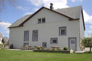 Uroczy dawny dom młynarzy w East kantonów