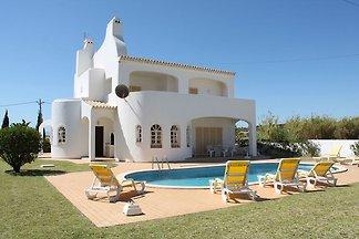 Villa indépendante située à Albufeira avec pi...